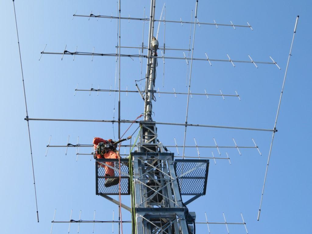 アマチュア無線のクランクアップタワー撤去工事